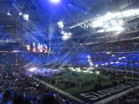 fdea6ae0433bf Pozdrav ze Super Bowlu, finále ligy amerického fotbalu v USA,  nejsledovanější sportovní akce na světě, která se před zraky 67 000 diváků  konala v ...